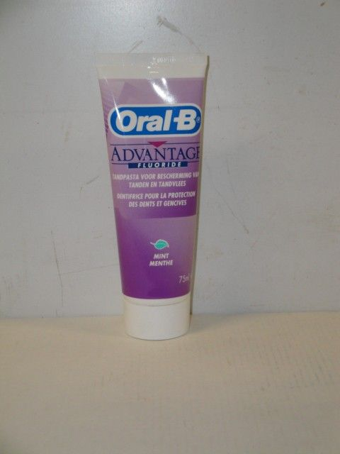 Oral B Tandpasta aventage teeth/gum